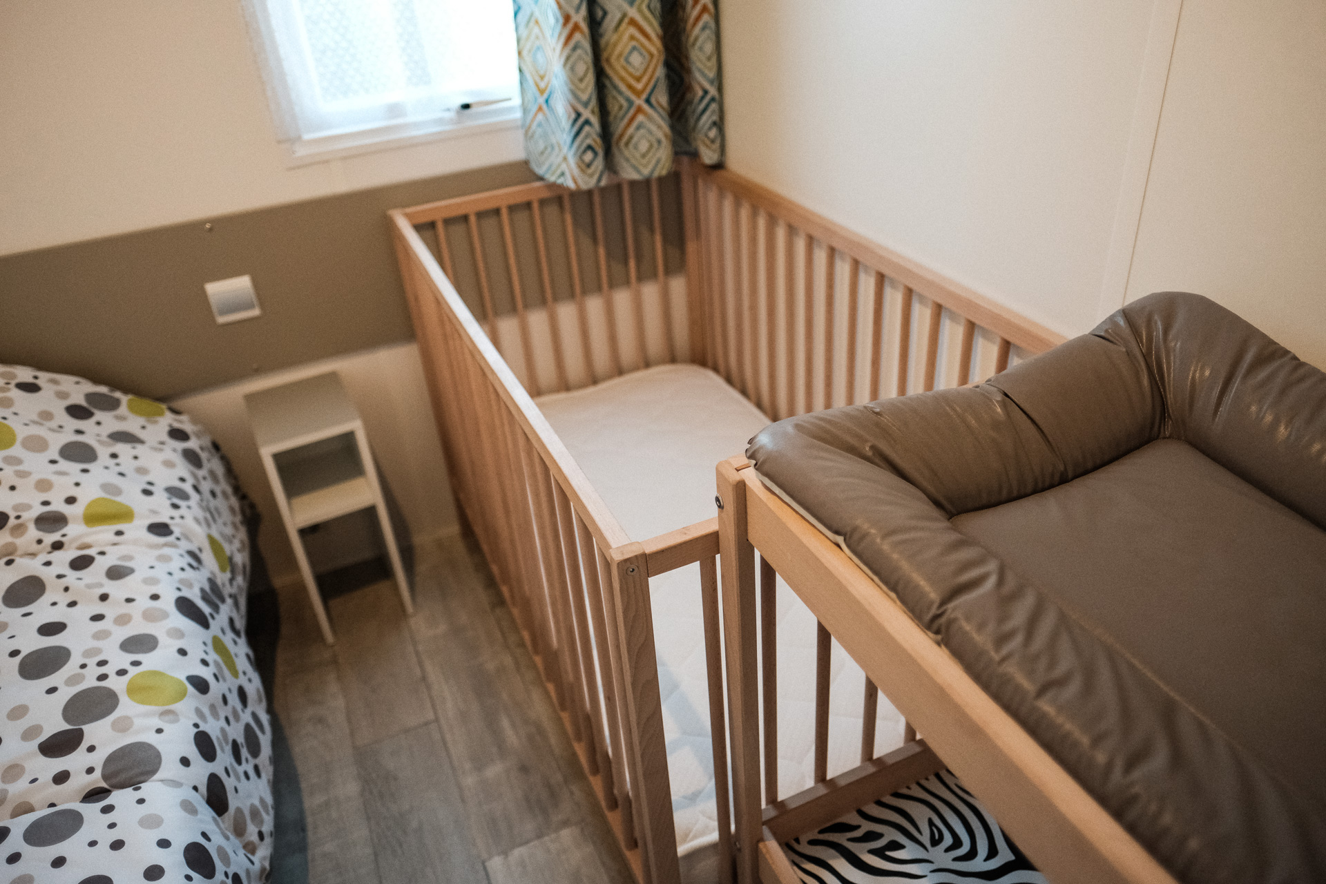 chambre bébé camping Valras Plage